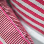 Harmonie des couleurs pour ces coussins style moderne
